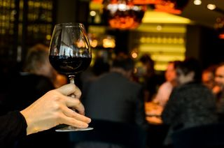 Restaurant-person-people-hand-large