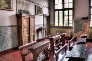 Wood-houses-school-old