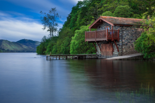 Boat-house-cottage-waters-lake-65225